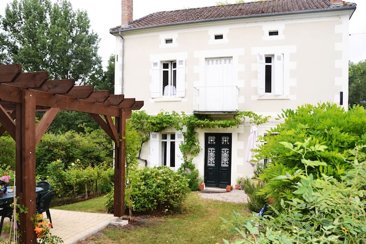 Tranquil. Private. Pool. The Heart of the Dordogne