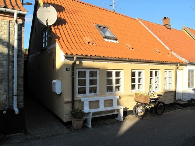 Charmerende byhus i Marstal - Marstal - House