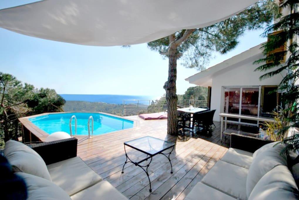 vue imprenable de la mer m dit rranienne maisons louer lloret de mar. Black Bedroom Furniture Sets. Home Design Ideas