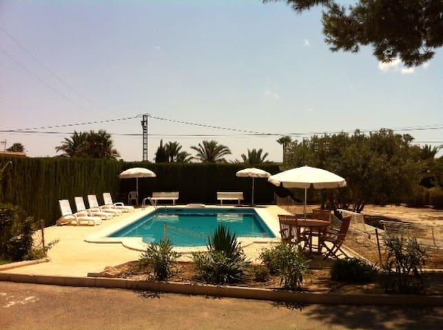 SANTA POLA ELCHE CHALET, piscina privada, barbacoa - Elche - Chalupa