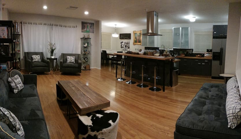 Open Floor Plan 4 bedrooms 2 Baths - Los Angeles - Hus