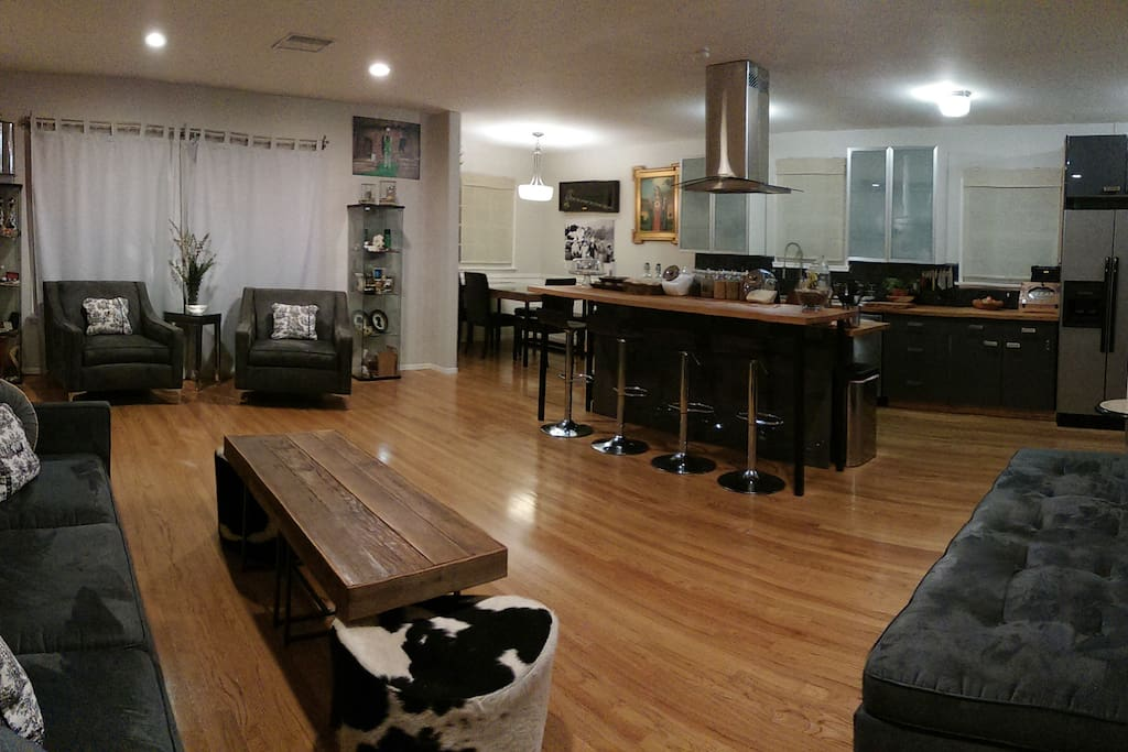 Open Floor Plan 4 Bedrooms 2 Baths Houses For Rent In Los Angeles California United States