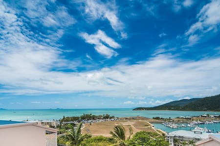 3 person Studio aprt- amazing views close to town - Airlie Beach