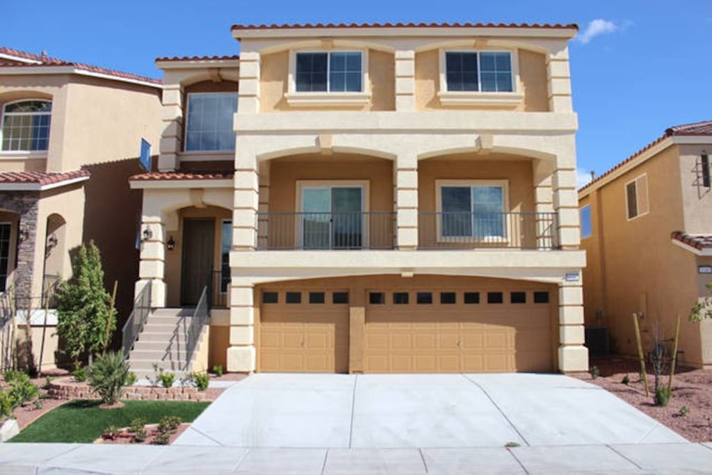 New Home 3 Story W Double Master Houses For Rent In Las Vegas Nevada United States