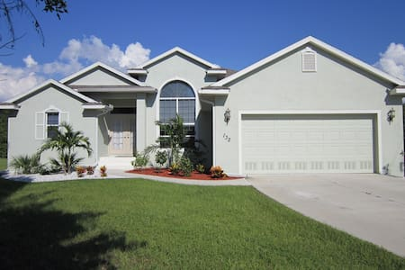 7 miles to the beach / pool home - Rotonda West