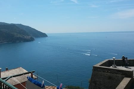 2) La Torre, matrimoniale sul mare! - Corniglia - Bed & Breakfast