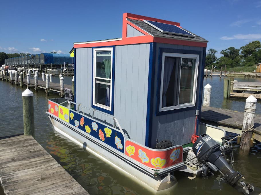 The Otter House By Dockside Tiny Houses For Rent In