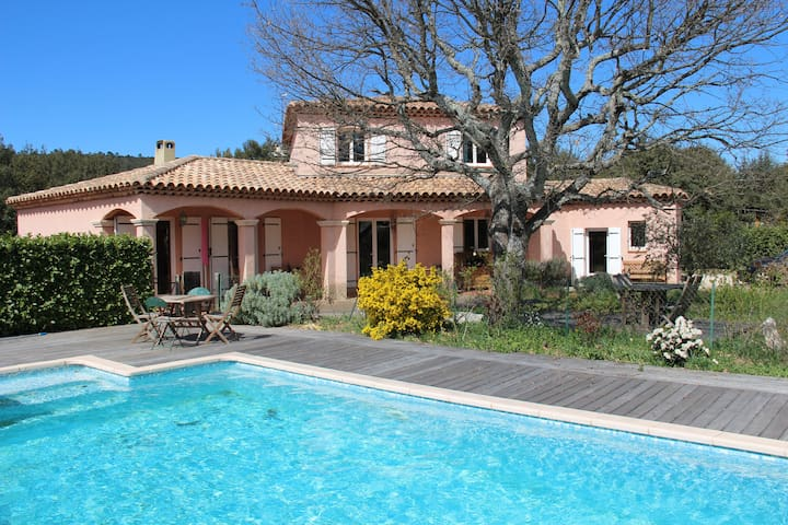 Villa in the shade of Green Oaks - Seillons source d'Argens - Huis