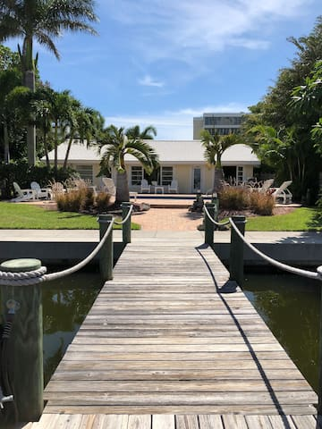 Waterfront Home Walk to Lido Beach/St Armands