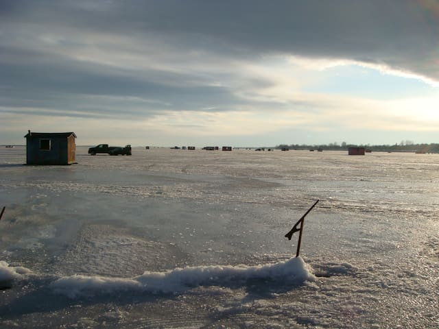 Chalet au bord du Lac Champlain - Venise-en-Québec - Casa