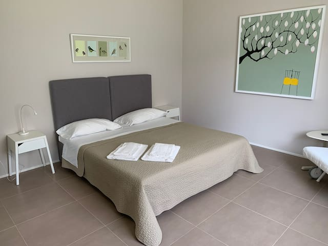 La suite preparata con letto matrimoniale - The suite prepared with a king size bed