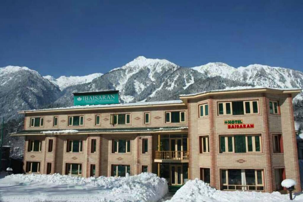 Snow Time Hotel Baisaran