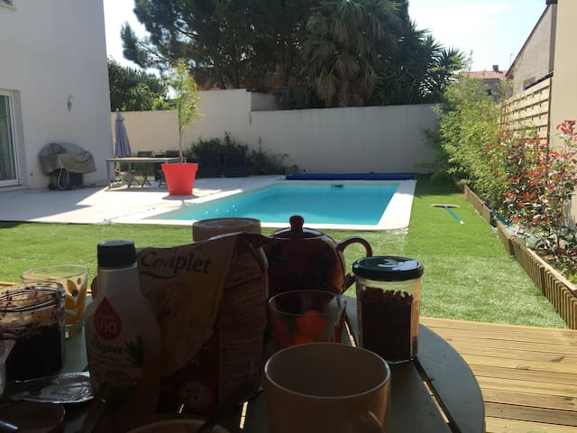 Maison T4 avec piscine et pool house - Villeneuve-de-la-Raho - House