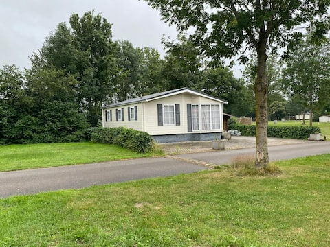 """Bungalow Lithse Ham """"A home with a view"""""""