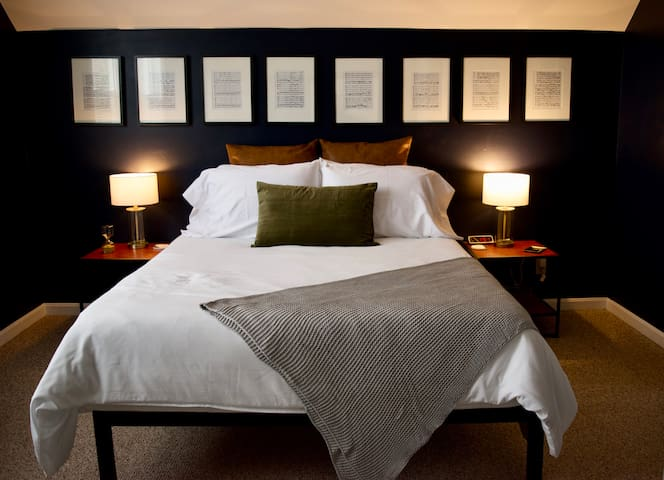 Bedroom 1. Queen-sized mattress.
