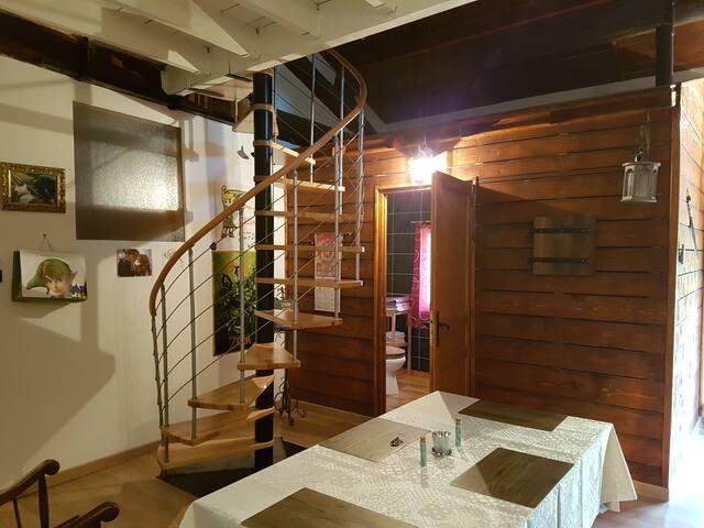 60m² d'Appartement en bois apparent avec Jardin.