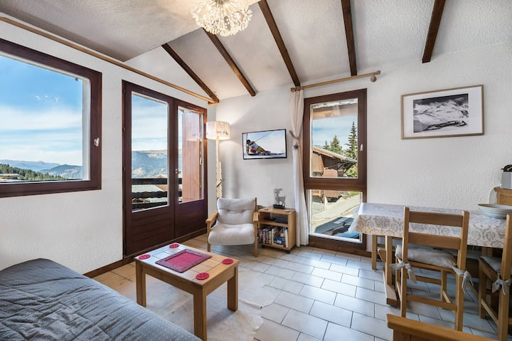 Apartment with a beautiful view for 4 in Courchevel Moriond 1650