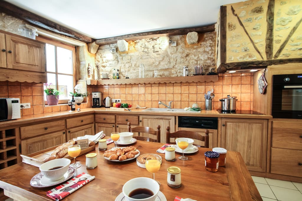 Salle à manger - cuisine / Kitchen - dinning-room