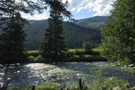 Riverfront Ranch Retreat