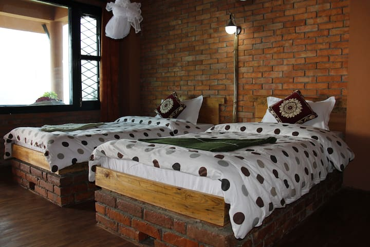 Beautiful Double Private Room on Fewa Lake - No. 1 - Pokhara - Inap sarapan