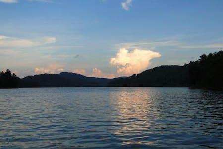 Lake Cabin on Lake Glenville - Cullowhee - House