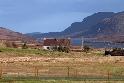 Crofter's Cottage - overlooking Loch Seaforth.