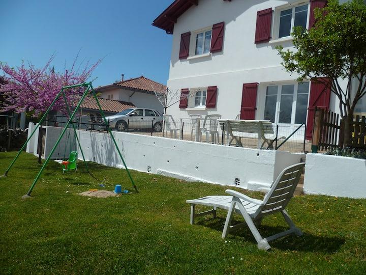 T2  à Bidart au calme avec terrasse et jardin