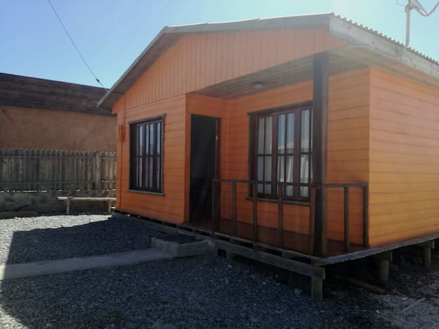 Cabaña en Caleta Chañaral de Aceituno.