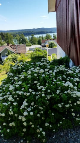 Guesthouse with a beautiful lake view in Dalsland - Bengtsfors V - Dom