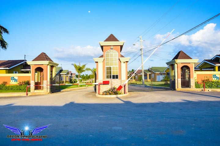 Private 1 or 2 bedroom home in Drax Hall St.ann Ja