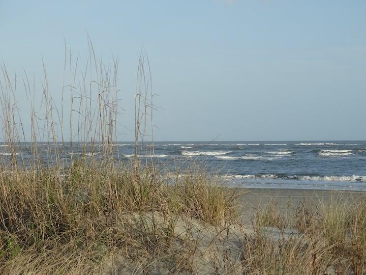 Tranquil, relaxed beach getaway