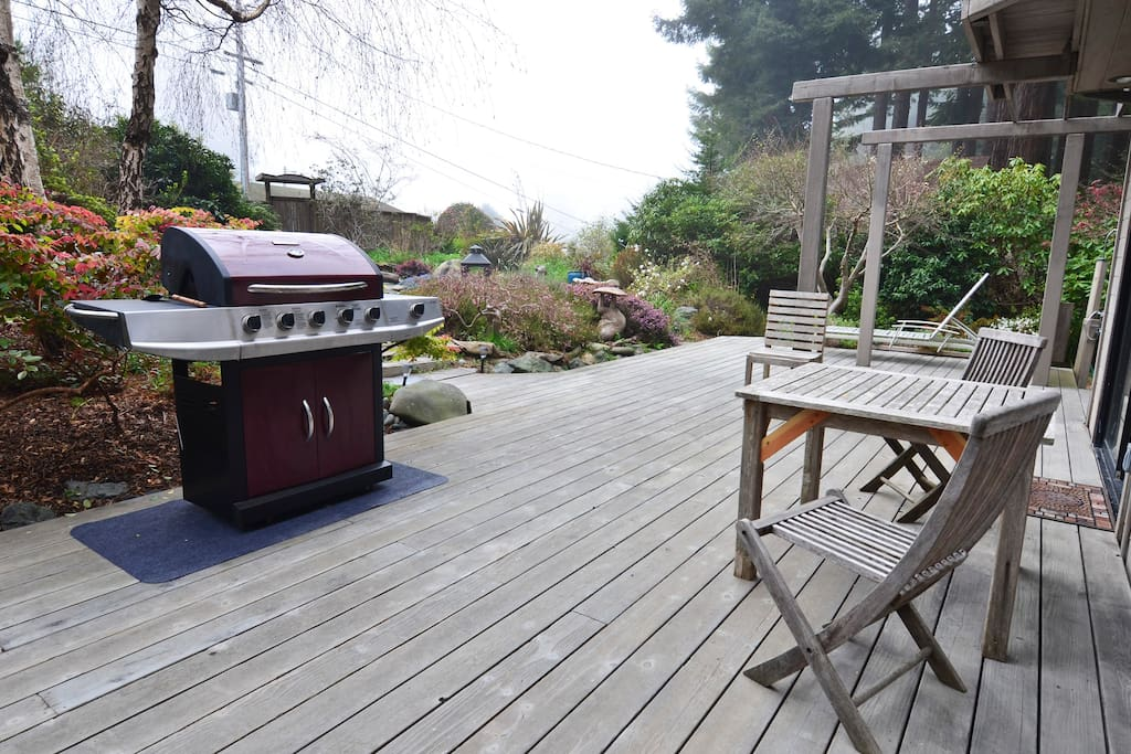 Large open deck is great for outdoor BBQ's and family time.