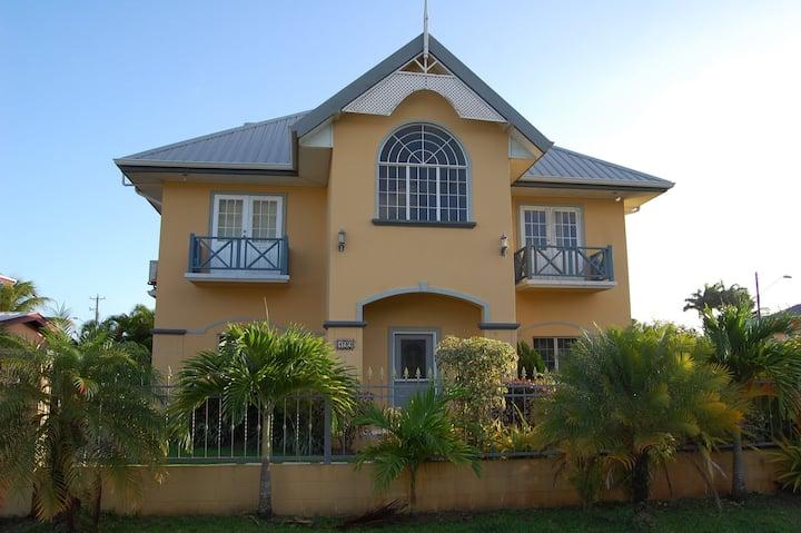 Casa Del Sol Tobago, Great Location, near beaches