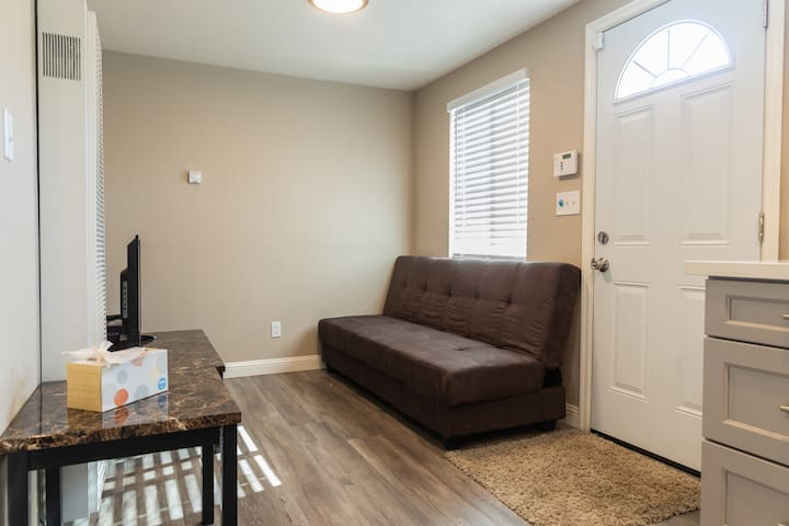 ★ Cozy 1-Bedroom in Richmond, 40 Minutes to SF ★