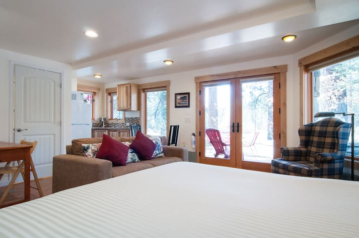 Golf Course Studio 1/2 mile to Lake Tahoe Beaches - Tahoe Vista - Διαμέρισμα
