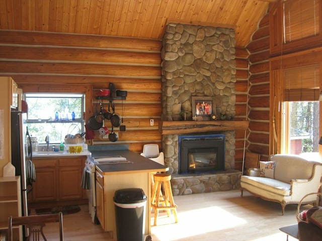 Lower Cabin Living