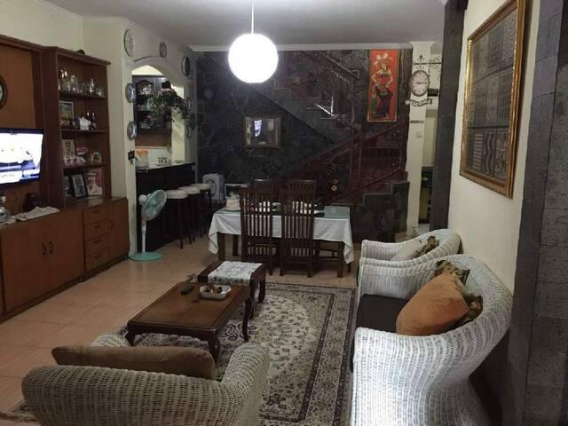 Homestay - Rawalumbu - Bed & Breakfast
