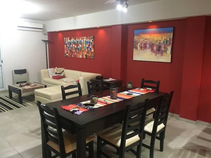 Moderno y cómodo depto. de 2 dormitorios en SDE
