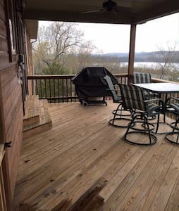 TABLE ROCK LAKE RENTAL   - Kimberling City