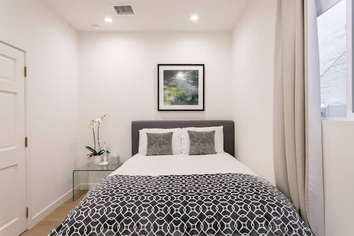 """Your comfortable Studio """"4"""" near Beverly Hills"""