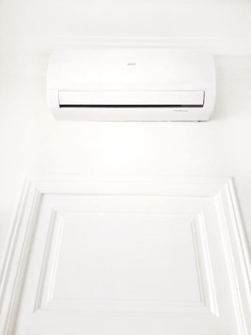 Air conditioner, It stays fresh throughout the department.