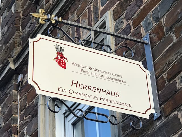 Herrenhaus in Ediger-Eller