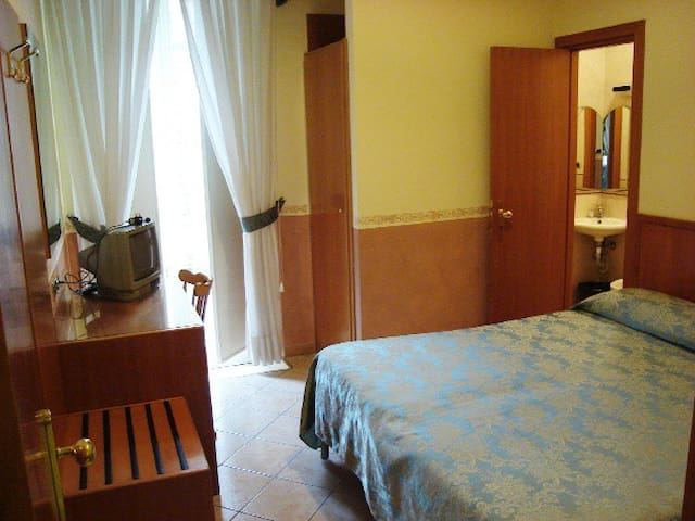 Matrimoniale room b&b - Naples - Bed & Breakfast