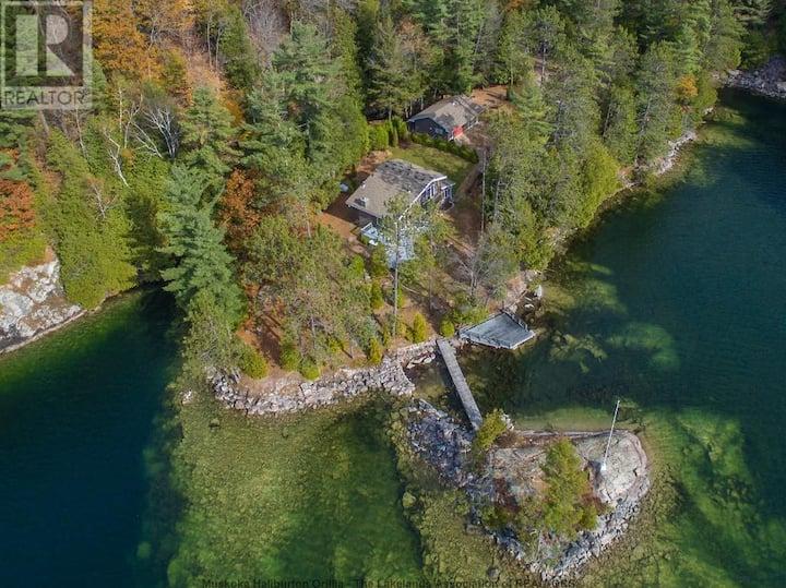 Family Friendly Cottage on Salmon Lake