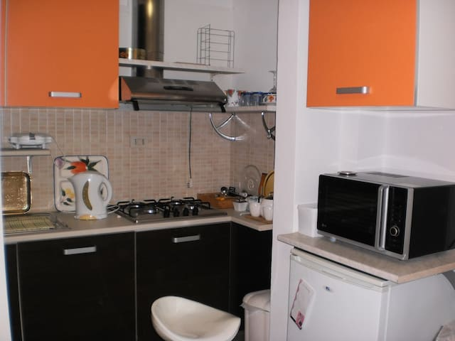 Double bed sitter near tourist area - Montecchio - Apartment