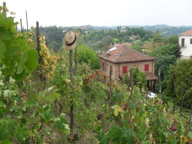 Stanza matrimoniale in collina - Rocca d'Arazzo - House
