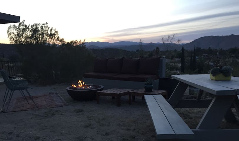 Forever Views, Luxury Guest Studio1 - Yucca Valley - Apartment