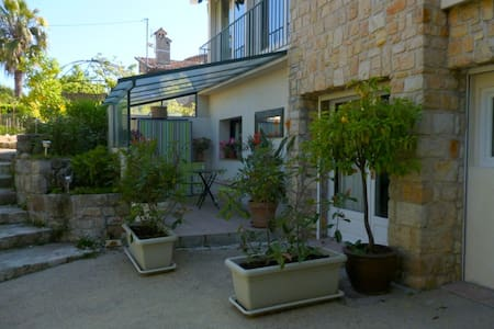 studio indépendant centre ville - Mandelieu-la-Napoule