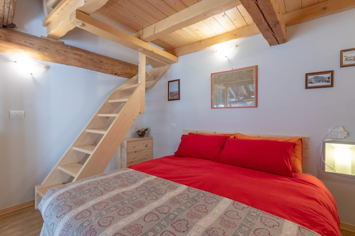 Cosy & relaxing room in typical Valsesian home B&B