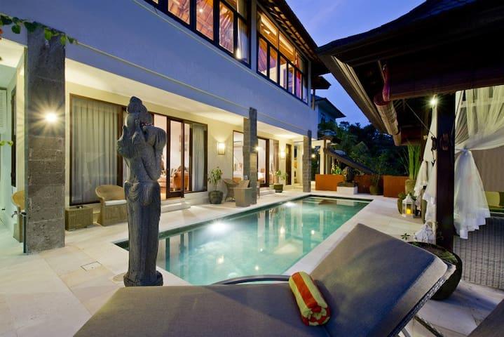 Family Friendly Villa Private Pool Sahaja 7 - タバナン - 別荘